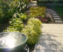 Contemporary Landscape Design in Alta Vista, Ottawa