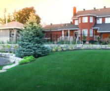Backyard retaining wall in Ottawa